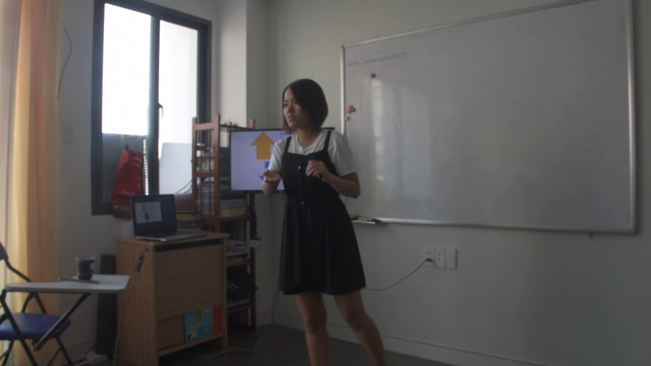 EIY - The Art of Public Speaking - Phuong Thao - YouTube