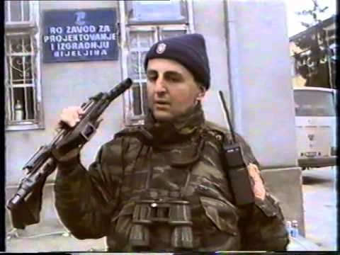 Arkan u Bijeljini '92 - Ustaski automat