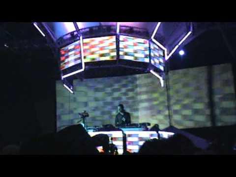 DJ Tiesto (Live @ Summer Dance Festival 04-01-2007 Cartagena - Colombia)