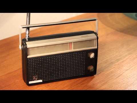 Philips 90 RL 133 Transistor Radio  YT