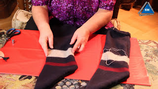 Как сделать теплые носки за 10 минут из старого свитера