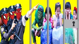 police spiderman family and baby police vs joker elsa baby frozen elsa maleficent superman