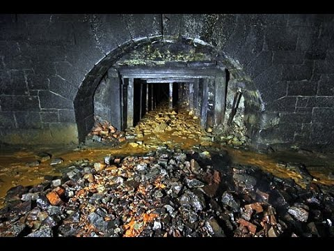 Abandoned Explore : Sandsend & Kettleness Railway Tunnels, Whitby, UK + Alm Quarries