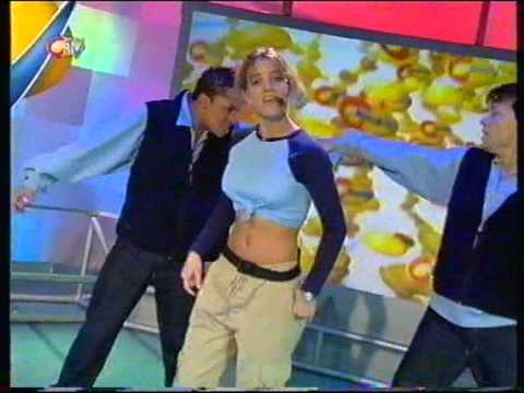 Britney Spears - Baby One More Time (citv)
