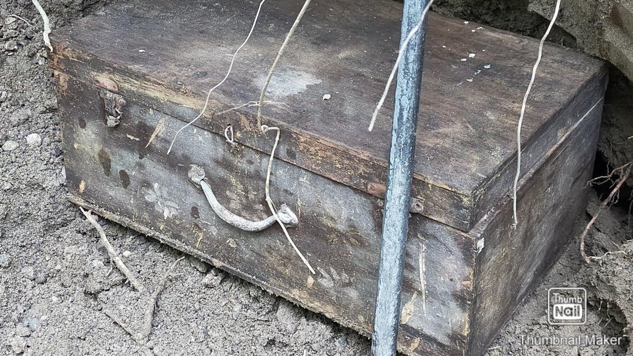 Download Yamashita treasure box found in the Philippines