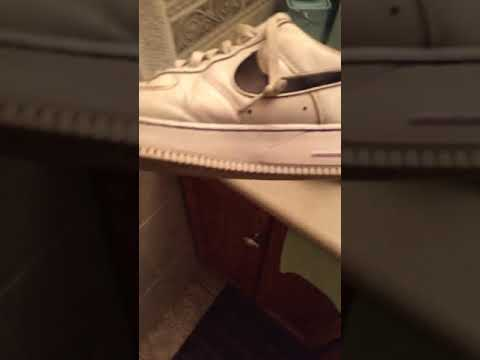 How to clean the yellow off of your AF1 (white)