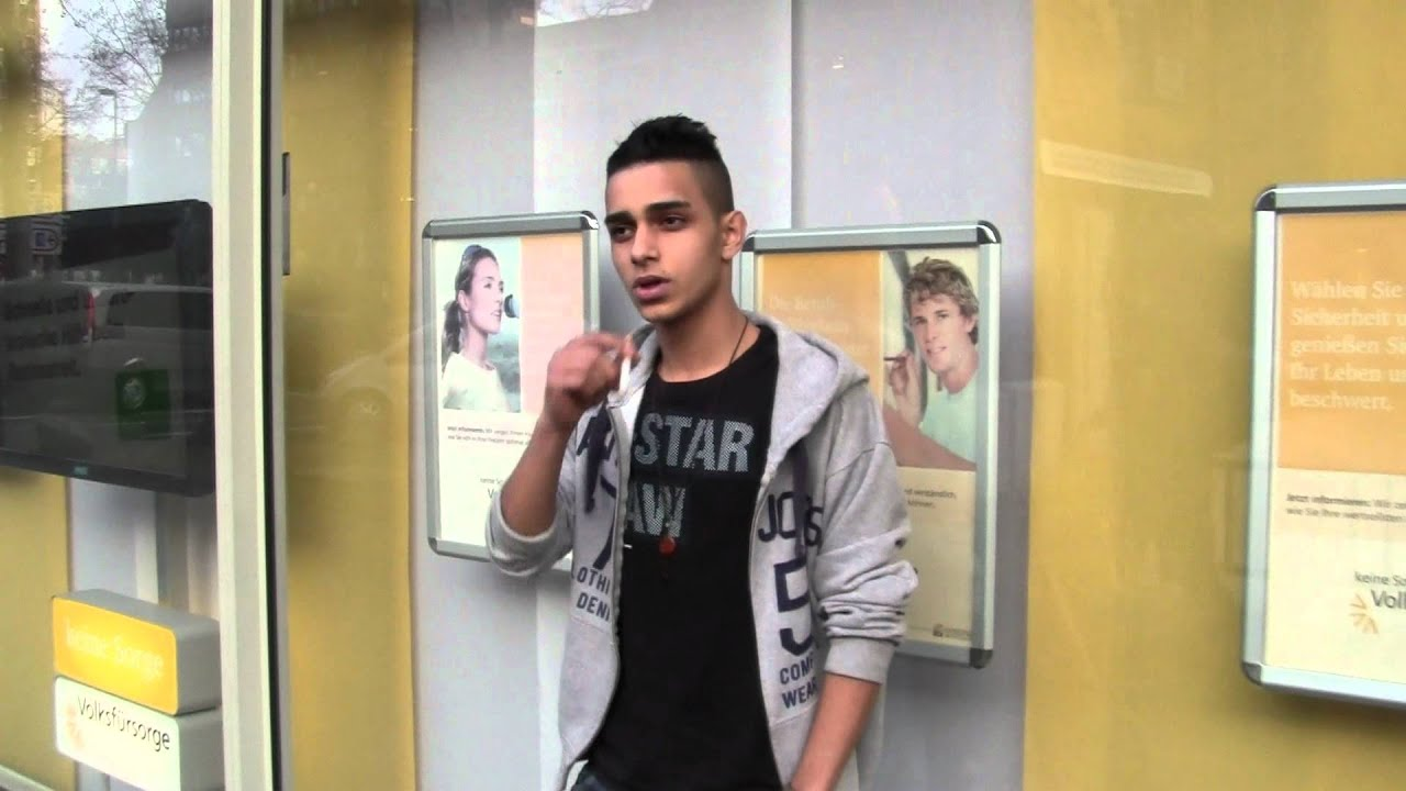 A Young Cool Guy Ist Waiting, Smoking And Spitting - Youtube-7423