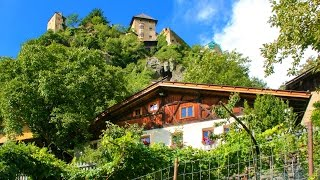 Schloss Juval am Eingang des Schnalstals im Vinschgau (Südtirol)