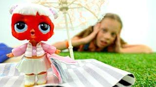 Салон красоты - Куклы Лол загорают на пляже. Мультики для девочек