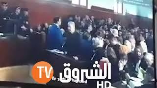 سلال يمثل أمام القاضي ويجيب على أسئلته...