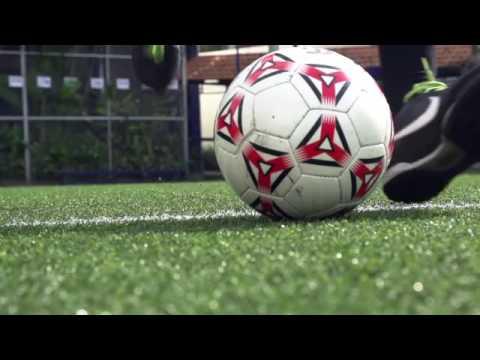 Dạy Bóng Đá Cơ Bản   Hướng dẫn cách sút bóng căng bằng mu bàn chân full HD