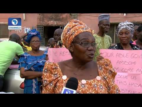 Eyewitness Amuwo Odofin Residents Protest Mast Erection