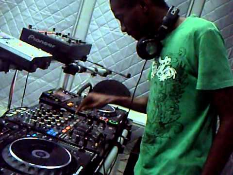 Dj X Trio live @ Mix Fm 96 5 estudio   Parte 1