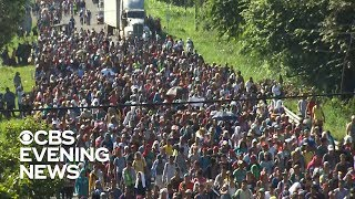 Migrant caravan heads north despite warnings to end journey