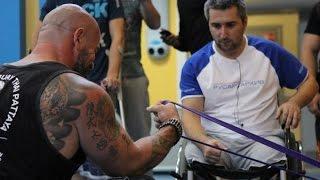 Сергей Бадюк тренируется с резиновыми петлями RUBBER4POWER