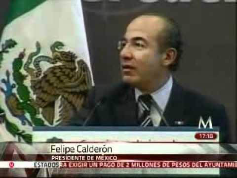 Hombre interrumpe y cuestiona a Felipe Calderón en Guadalajara
