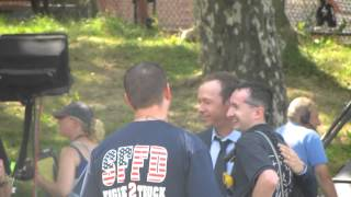 Donnie Wahlberg en las grabaciones de Blue Bloods 3 (13.08.2012)