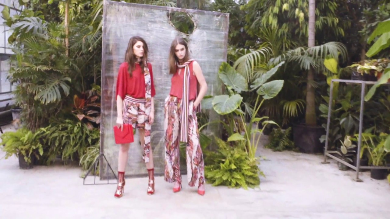 SISLEY SS17 Women s Collection - Totem - YouTube 0af3fbe92