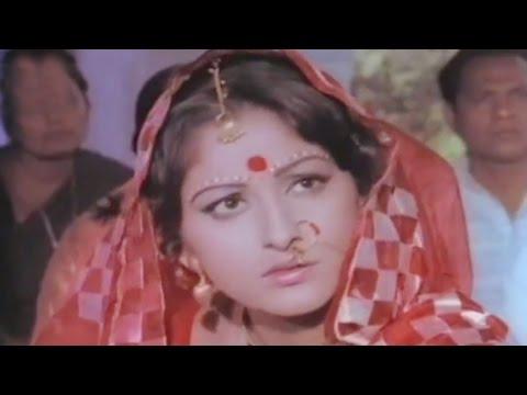 Rishi Kapoor rescues Jaya Prada from getting married - Sargam Emotional Scene