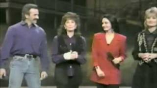 Crystal Gayle - let your love flow - Loretta lynn and Friends - part 3 (end)