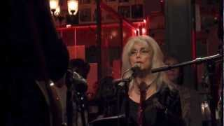 Watch Emmylou Harris After The Gold Rush video