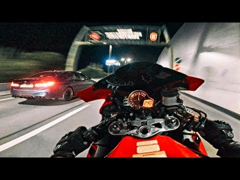 Мотоцикл против BMW M5 Competition - Устроили гонки по городу