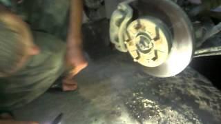 видео В какую сторону крутить гайку ступицы ситроен