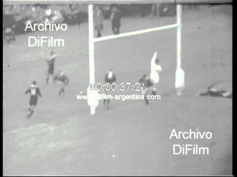 DiFilm - Wales loses New Zealand - Rugby International Match 1969