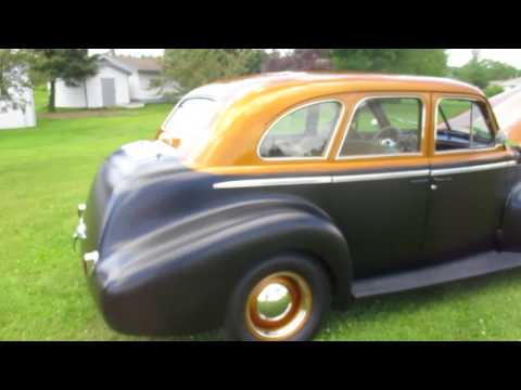 North auctions 1940 Olds