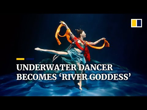 Chinese underwater dancer becomes 'River Goddess'