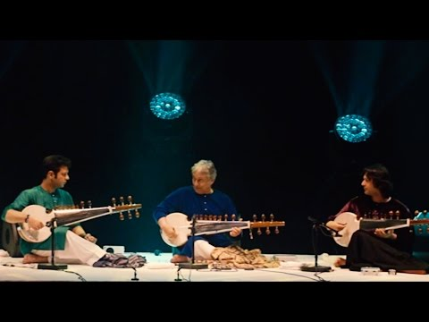 Amjad Ali Khan - Ayaan Ali Bangash - Amaan Ali Bangash Live in Paris