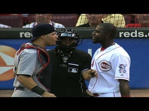 Cards, Reds engage in wild brawl