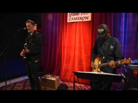 "Kevin Breit and Ian De Sousa ""Nothing Bout Us""- video Richard Sugarman"