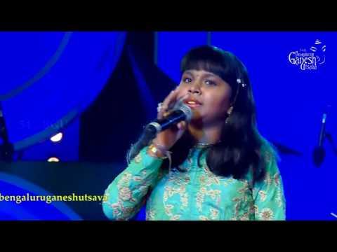 """Anjana Padmanabhan singing  """"Mere Dholna Sun"""" @ 54th Bengaluru Ganesh Utsava"""