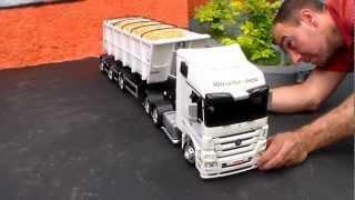 Miniatura MB ACTROS 2646 VANDERLEIA BASCULANTE - Mini Truck - Feito de Madeira