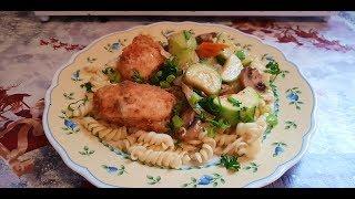 Куриное филе в панаде с овощами