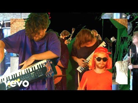 Sun Club - Worm City (Official Video)
