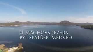 Máchovo jezero Medvěd u stánku