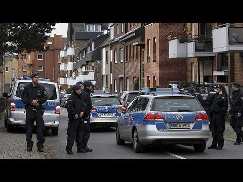 Almanya'da Paris Saldırılarıyla Ilgili Gözaltına Alınan 7 Kişi Serbest