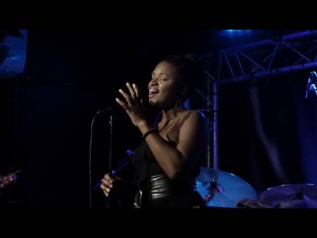 Lizz Wright - The First Time Ever I Saw Your Face and more (New Morning - Paris - July 15th 2016)
