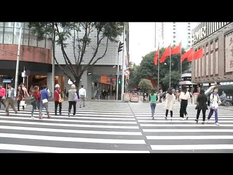 Spectacular crosswalk spotted with the width of 20 meters