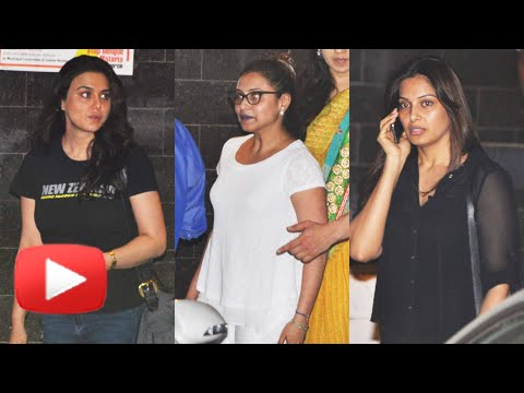 Bollywood Celebrities Visit Salman Khan's House After He Gets Bail