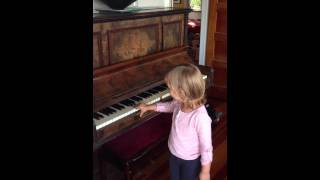 Lindsay's Scavenger Hunt - Aimee plays the piano