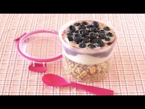 Granola Yogurt Parfait (Breakfast To Go) グラノーラ ヨーグルト パフェ - OCHIKERON - CREATE EAT HAPPY
