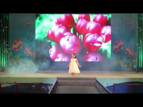 Bông hồng tặng mẹ và cô - Bé Bào Ngư (live)