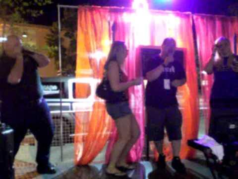 taylor warren's dad singing karaoke