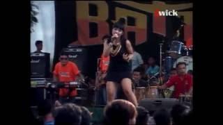 Video HOT!!! Dian Cantika & Temon Holic - Sambalado Batras download MP3, 3GP, MP4, WEBM, AVI, FLV Oktober 2017