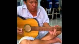 Guitar  chiều hạ vàng