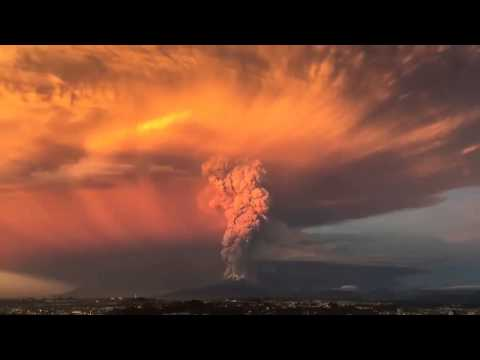 Timelapse of Calbuco Volcano Eruption