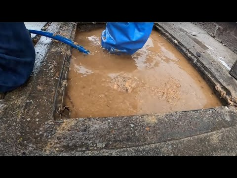 Confusing Drain Unblocking - Elbow Deep in Sewage in a Thunderstorm
